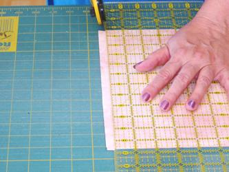 Rotary cutting Quilt fabric step1